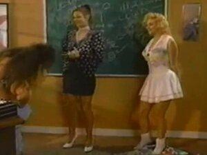VINTAGE žene Threesomo. lezbijski na devojka lezbejke. VINTAGE žene Threesomo. lezbijski na devojka lezbejke.