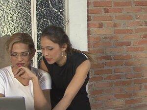 ShemalesFuckGirls Video: Tayna i Nicole C, ne treba mnogo za Tayna i Nikol da napravimo pauzu u kancelariju i za shemale da se digne kao napaljena devojka drolja je takav zaokret. Na shemale zaroni u tu slatku devojku telo i sada kada je pljusnula erekcij