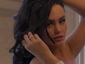 Hot tdobar model Babes voli da pokaže svoja lepa tela. Hot-tdobar model Babes voli da pokaže svoje lepe organe na foto sesiji pred kamerama i zadovoljan napaljenom javnosti