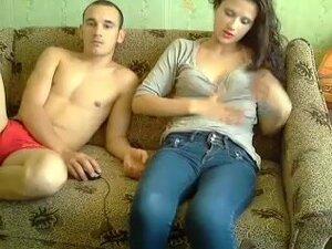 Drkanje mog momka na seksualni razgovori, ponekad sam izvršiti tu drolju Web kameru i moj dečko je veoma nestrpljiv da se zabavite sa. U ovaj video seks amaterski Web kameru možete videti kako mi izgledamo kao kada radimo zajedno.